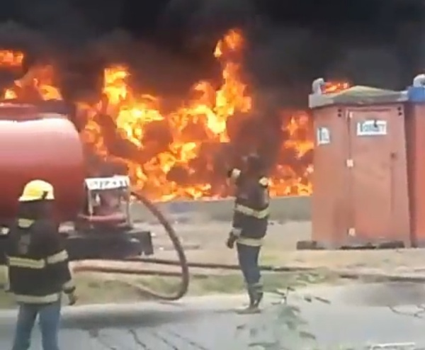 Watch As Lagos Fire Service Battles To Quench Fire From Exploded Petrol Tanker - autojosh
