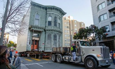 Watch As Truck Move 139 Years Old House Worth $2.6m To A New Location In U.S - autojosh