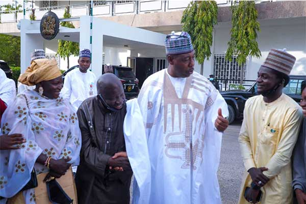 Borno State Governor Gifts 65 Year Old Medical Doctor A Toyota Highlander