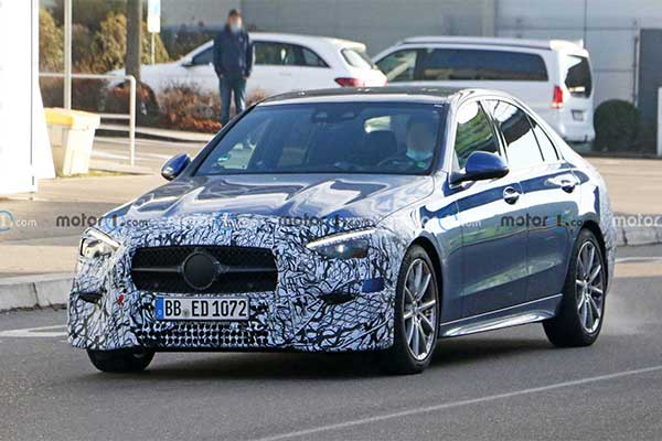 Mercedes-Benz Gives Reasons Why The Next C-Class Won't Have A V6 Engine