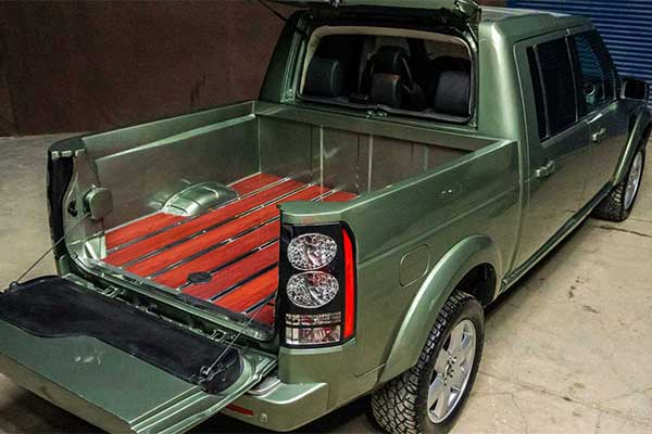 Turner Converts A Land Rover Discovery Into A Pickup Truck And It Looks Awesome