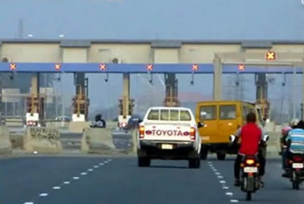 Tollgates Return On Federal Roads As FG Approves N200 For Cars, N300 For SUVs, N500 For Trucks - See Full List - autojosh