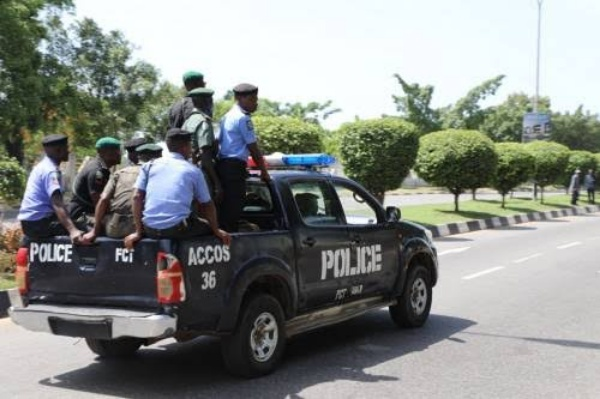 Nigerian Police Driver Arrested In Osun While Trying To Sell A Toyota Camry Stolen In Lagos - autojosh