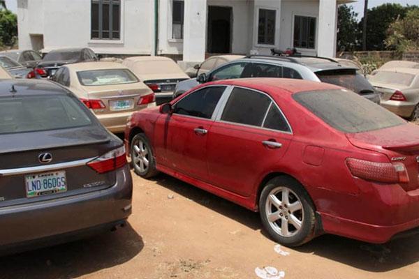 EFCC Arrests 37 Internet Fraud Suspects, Confiscates Score Of Vehicles, Laptops, Phones In Ado Ekiti - autojosh