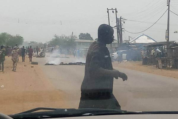 Six Trucks Razed After A Truck Crushed Four Students, Motorcyclist To Death In Ibadan - autojosh