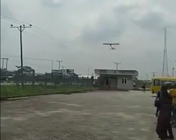 Young Bayelsan Student Wows Nigerians As His RC Aeroplane Takes To The Sky - autojosh