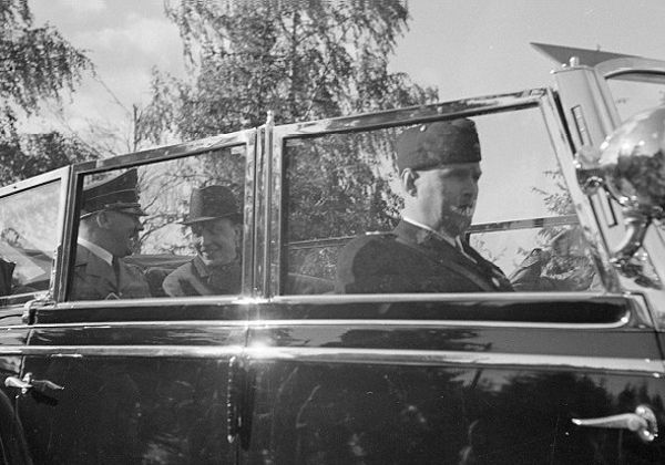The Devil's Mercedes : Meet Bulletproof Mercedes Grosser 770K Limo That Ferried Adolf Hitler - autojosh