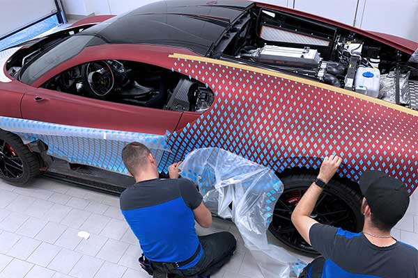 """One-Off Custom Bugatti Divo """"Lady Bug"""" Took Almost 2 Years To Build"""