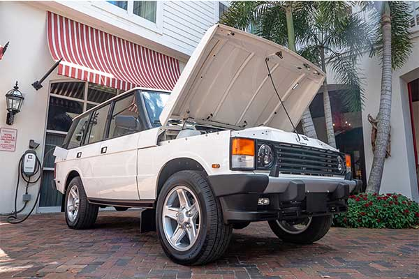 Old School Range Rover Gets The Tesla Electric Treatment And Its Fast