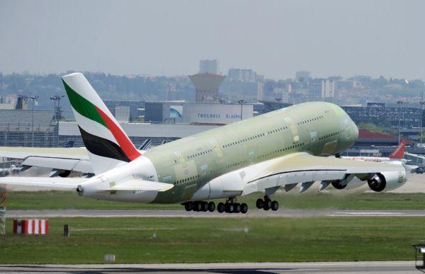 Final Airbus A380 Superjumbo Jet Completes First Flight - autojosh