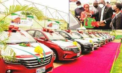 GOV. Sanwo-Olu Presents Car Gifts To 13 Outstanding Teachers At The Lagos State Teachers Merit Award - autojosh