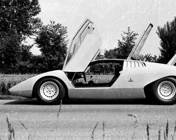 Lamborghini Countach LP500 Turns 50 Today, The Story Of First Car With Scissors Door -