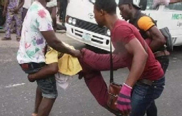 """Minibus """"Kowope"""" Drivers Kills LASTMA Officer, Another Macheted Currently In Coma - autojosh .jpg"""