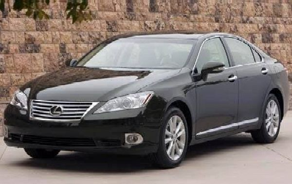 Police Arrest Leader Of Car Snatching Syndicate In Enugu While Trying To Register A Stolen Lexus ES - autojosh
