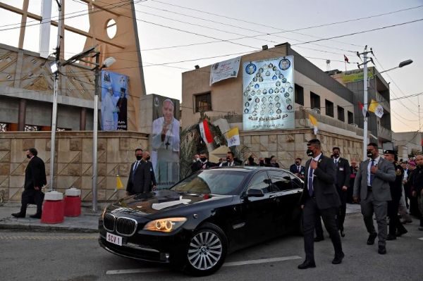 When Audi And BMW Fought Each Other To Provide Bulletproof Popemobile For Pope - autojosh
