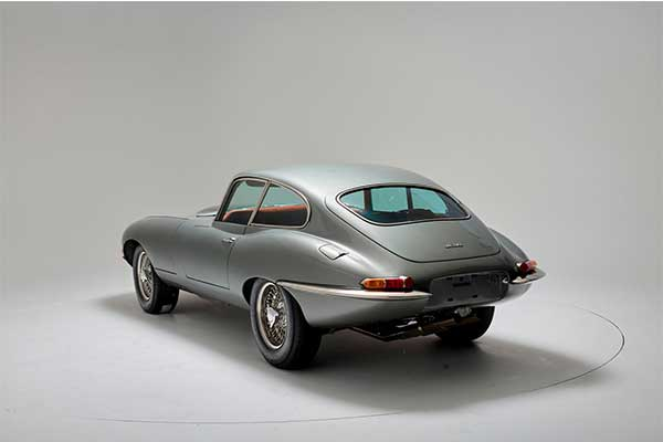 Jaguar Restores 1961 E-Type Coupe And It Took 3800 Hours To Build