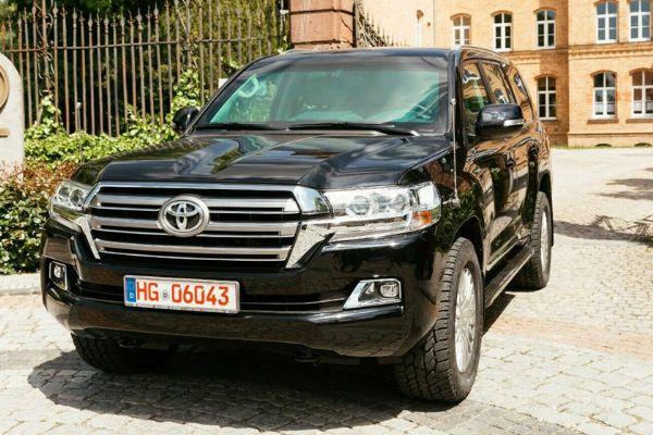 This $277k Armoured Toyota Land Cruiser Can Handle TNT Blasts, AK-47 And Dragunovs - autojosh