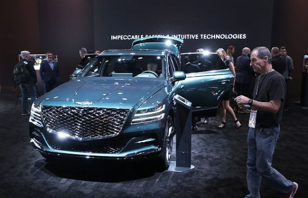 People Are Rushing To Buy Genesis GV80 After The SUV's Safety Features Saved Tiger Woods - autojosh