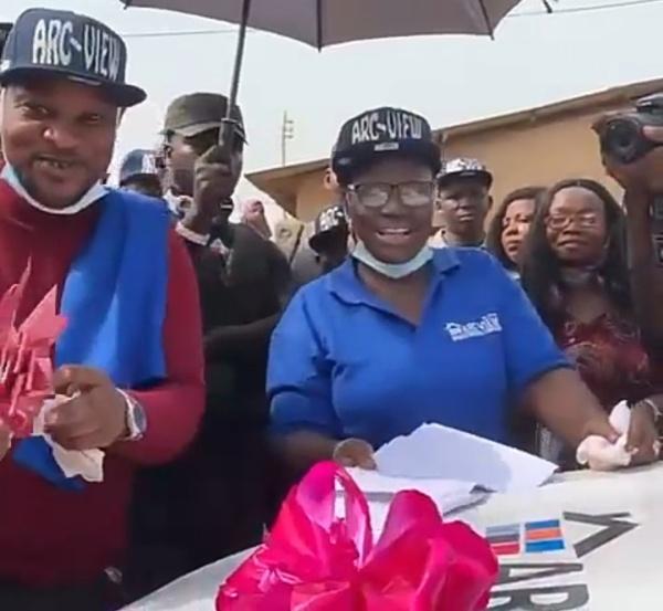 Veteran Nollywood Actress, Mama Rainbow Gets Car Gift - autojosh
