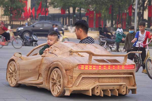 Father Made A Bugatti Centodieci Out Of Wood For His Son
