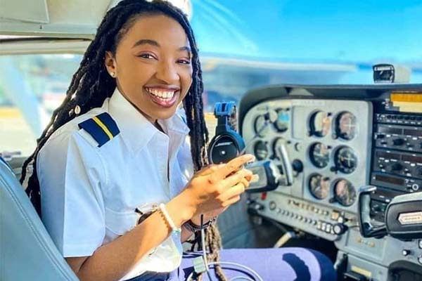 Meet 23-Year-Old Nigerian Born Private Pilot Miracle Izuchuwu, Flight Attendant At American Airlines (PHOTO)