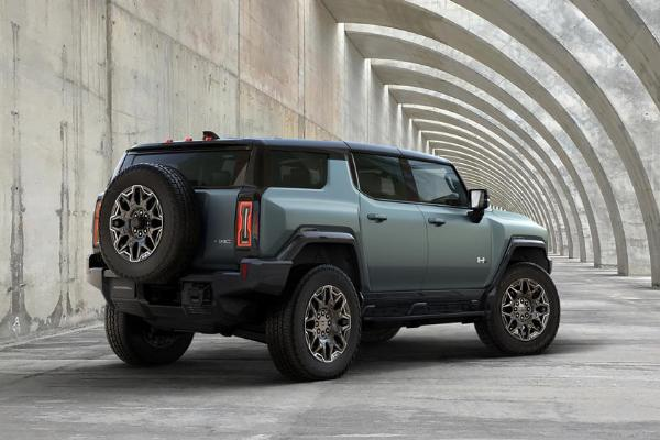 Nigerians Will Be Able To Use Their 2024 GMC Hummer EV SUV To Charge Other EVs And Power Homes - autojosh