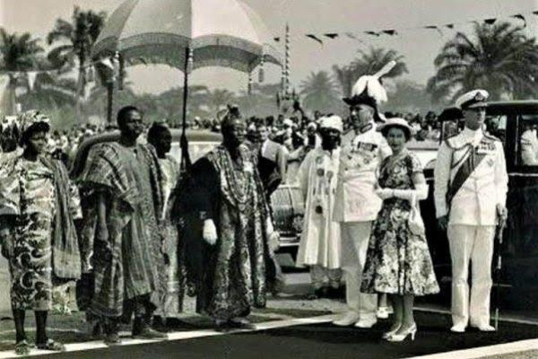 Throughback Footage Of Prince Philip And Queen Elizabeth Taking Royal Tour On The Street Of Lagos, Nigeria - autojosh