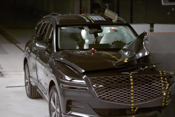 Tiger Woods : 2021 Genesis GV80 SUV Is Where You Want To Be In A Crash, Earns Top Safety Pick+ - autojosh