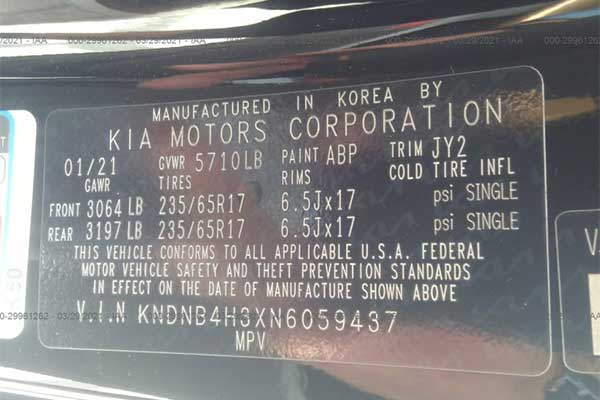 Shocking!!! 2022 Kia Carnival Already Been Wrecked And It Cost ₦8m To Fix
