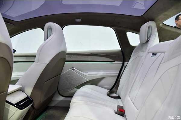 Zhiji Motors Set To Launch A Wireless Charging L7 Luxury Sedan
