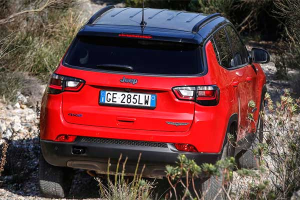 Jeep Updates The Compass CUV For 2022 With A New interior Layout And Level 2 Semi-Autonomous Driving