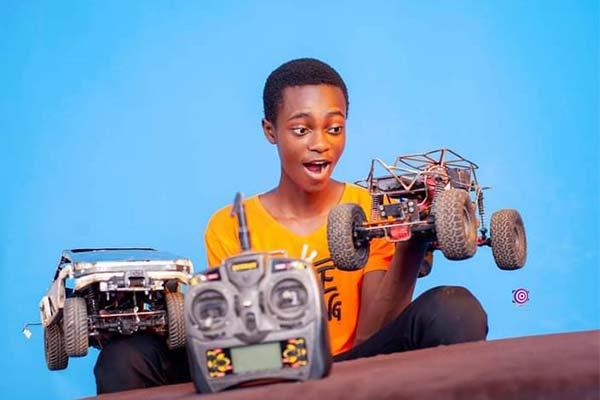 Creative Nigerian Undergraduate Builds Scaled Version Of Remote Controlled Tesla Cybertruck, Buggy - autojosh