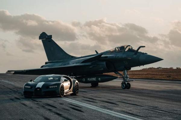 King Of Drag Races : 1,500-hp Bugatti Chiron Sport Versus 5,727-hp Rafale Marine Jet - autojosh