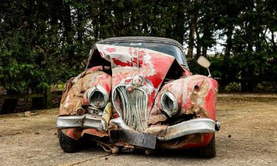Someone Paid N53m To Own This Crumpled 1960 Jaguar XK150 That Was Crashed 25 Years Ago - autojosh