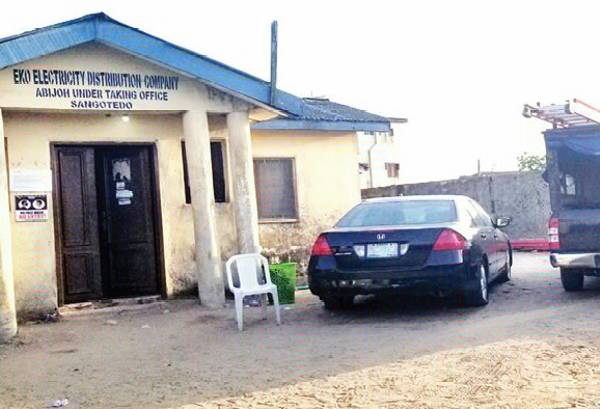 EKEDC Impound Business Woman's Vehicle For Allegedly Breaking A Pole, Demands N1.2m For Repairs - autojosh