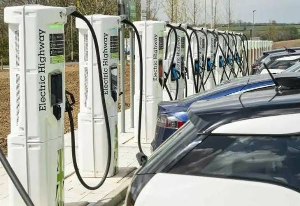 Electric Highway Opens Largest Motorway Fast-Charging Site In UK - autojosh