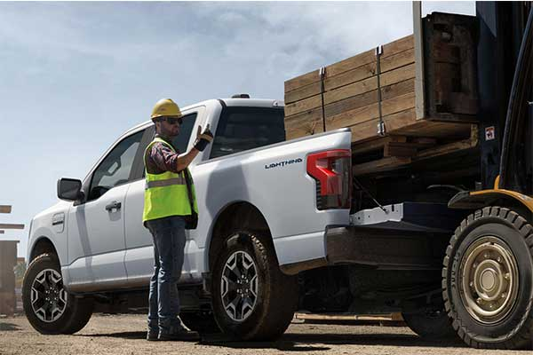 Ford Launches Professional Version Of The F-150 Lightning Electric Truck