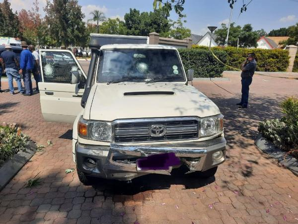SA Robbers Beaten Hands Down By Driving Skills And Cash-in-transit Bulletproof Toyota Land Cruiser - autojosh