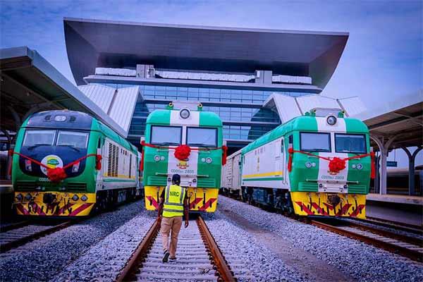 Amaechi : FG Pays $150m Out Of $500m Loan Taken From China To Build Abuja-Kaduna Railway - autojosh