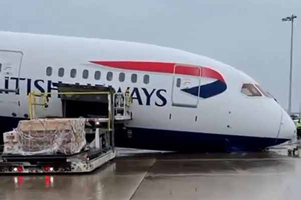 British Airways Boeing 787's Landing Gear Collapses While On Its Stand At Airport, Injures A Crew - autojosh