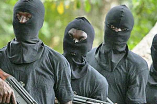 Gunmen Abduct Chinese Working On Lagos-Ibadan Rail Project, Kills Police Excort - autojosh
