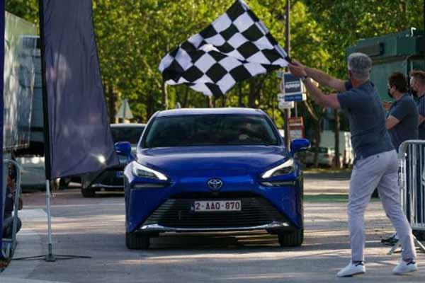 Toyota Mirai Drives 1003km On A Single Tank Of Hydrogen Fuel, Breaks World Record - autojosh