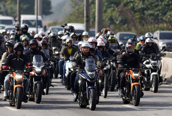 Brazilian President Bolsonaro Fined $110 For Not Wearing A Mask At Bikers' Rally - autojosh