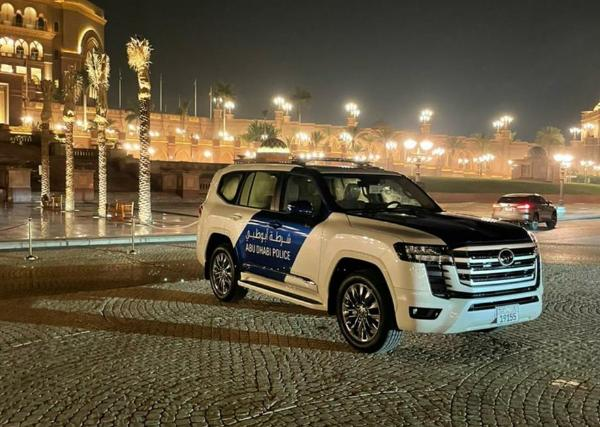 Latest 2022 Toyota Land Cruiser LC 300 SUV Joins Dubai And Abu Dhabi Police Car Fleets - autojosh