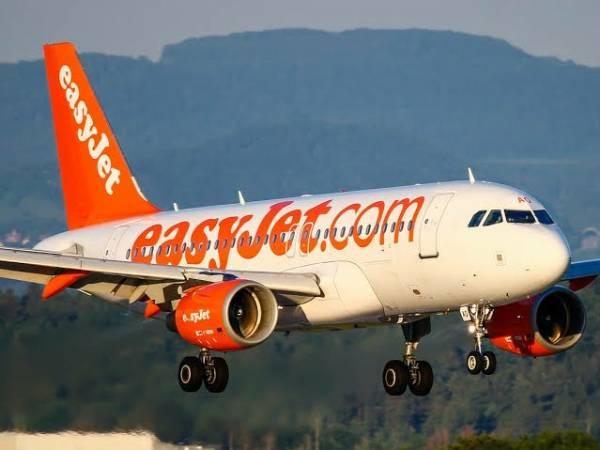 EasyJet Probe After Woman Wakes From Nap To Discover She Was On Wrong Flight - autojosh