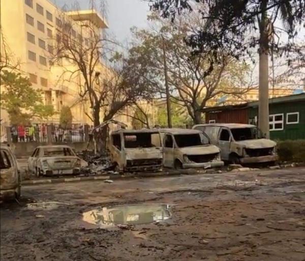 Photos : Three Dead, 13 Injured, 22 Vehicles Razed As Gas Tanker Explodes In Ikeja, Lagos - autojosh