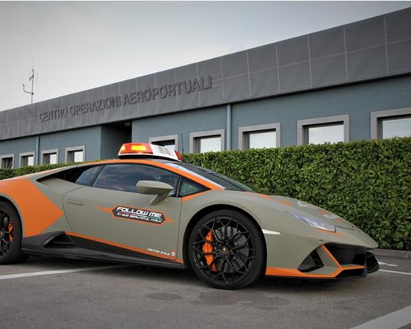 Again, Lamborghini Delivers ₦200m Huracan Evo That Every Aircrafts Must Follow At Italy's Airport - autojosh