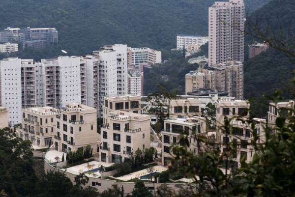 A Parking Space Sold For A Record-breaking $1.3m (₦534m) In Hong Kong - autojosh