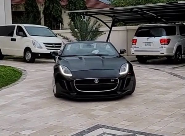 Movie Producer Turns Up In Style At Obi Cubana's Mansion In Jaguar F-Type, Gifts Him Suitcase Full Of Money - autojosh