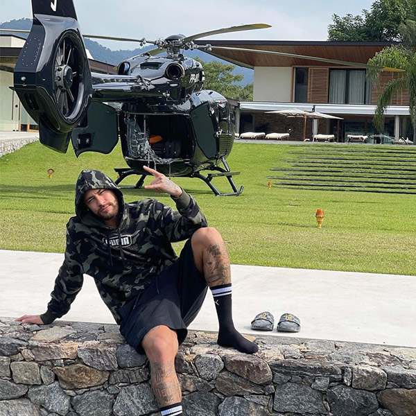Neymar Spotted Relaxing, Backs His Helicopter - autojosh
